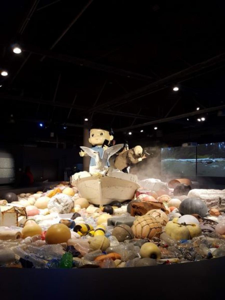 Douglas Coupland Display at Vancouver Aquarium—photo by Kandice Leaf