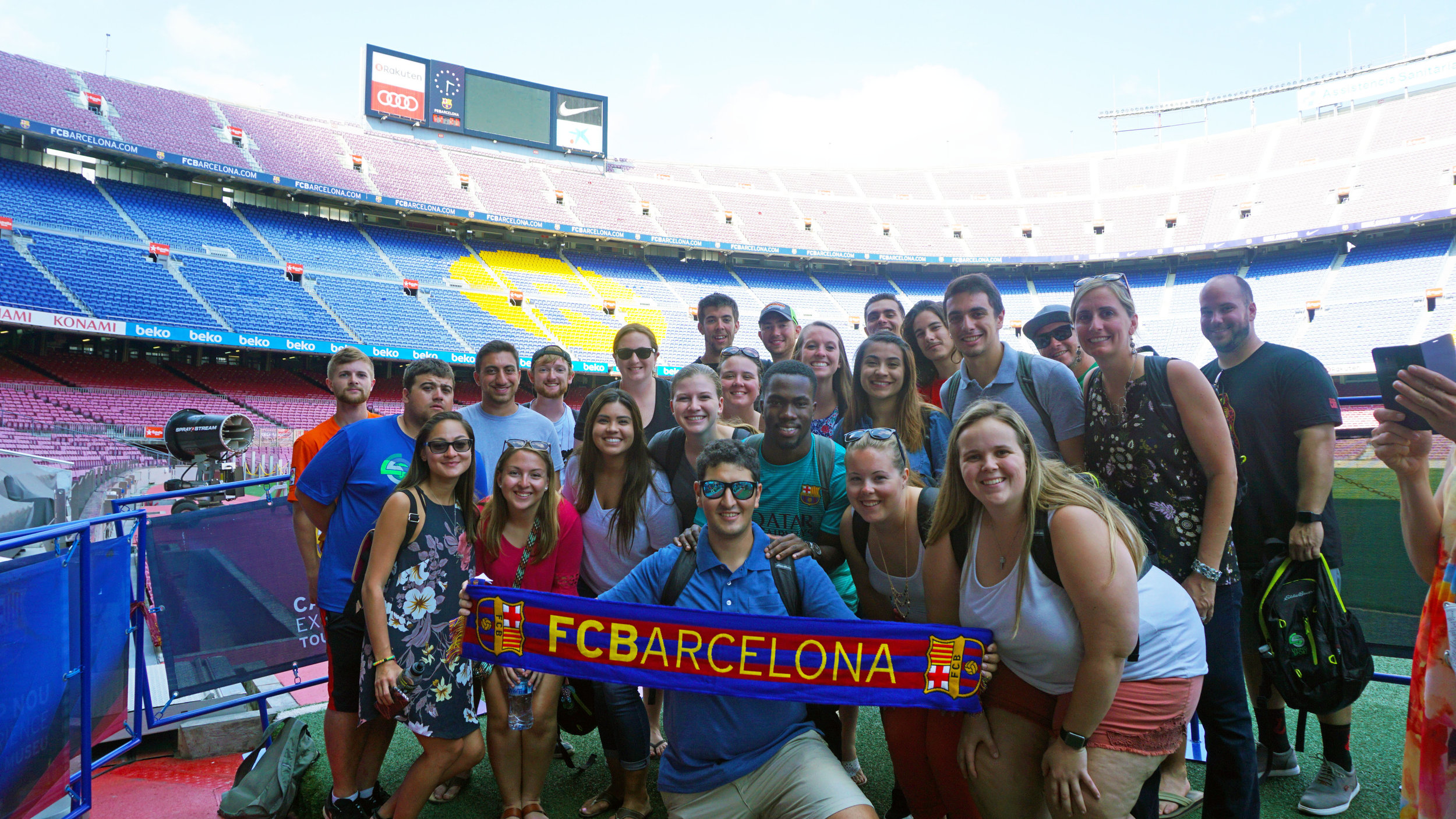 Camp Nou Pitch Group.jpg