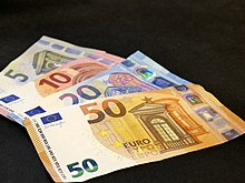 220px-Second_serie_5,_10,_20,_50_Euro_banknotes.jpg