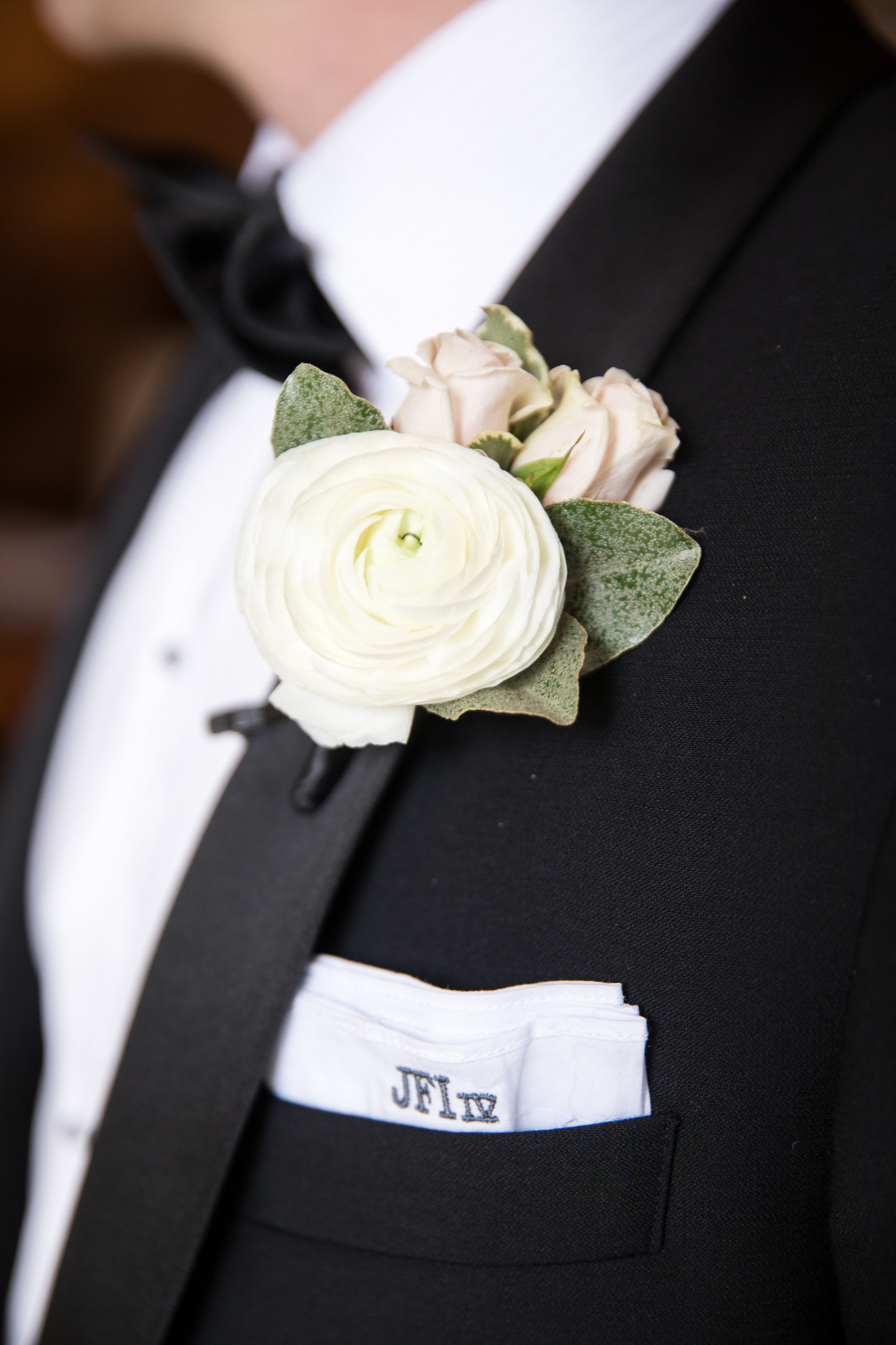 Tuxedo Details - Dallas, Tx - Spring Wedding - Julian Leaver Events