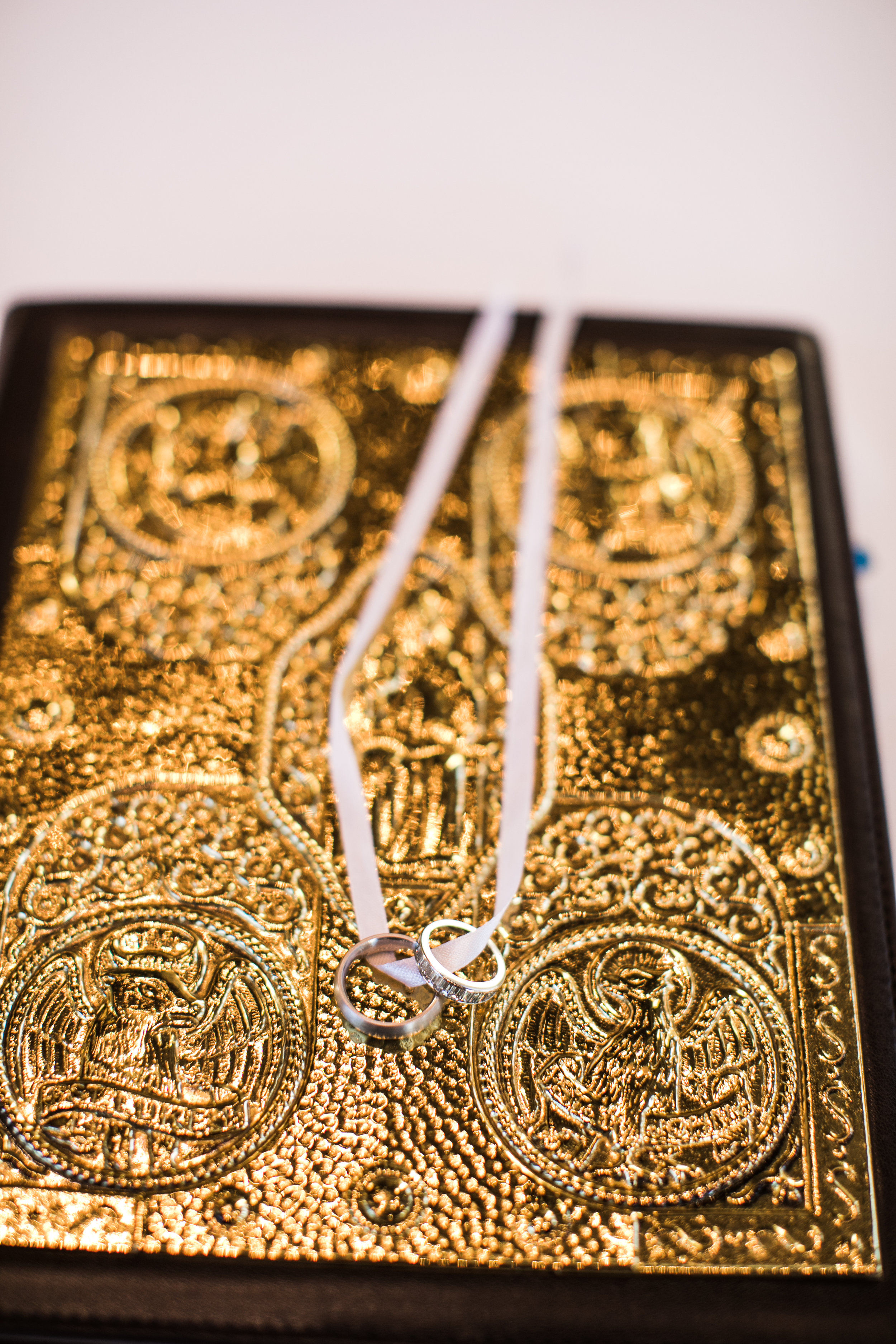 Jewelry Details - Amarillo, Texas - Fall Wedding - Julian Leaver Events