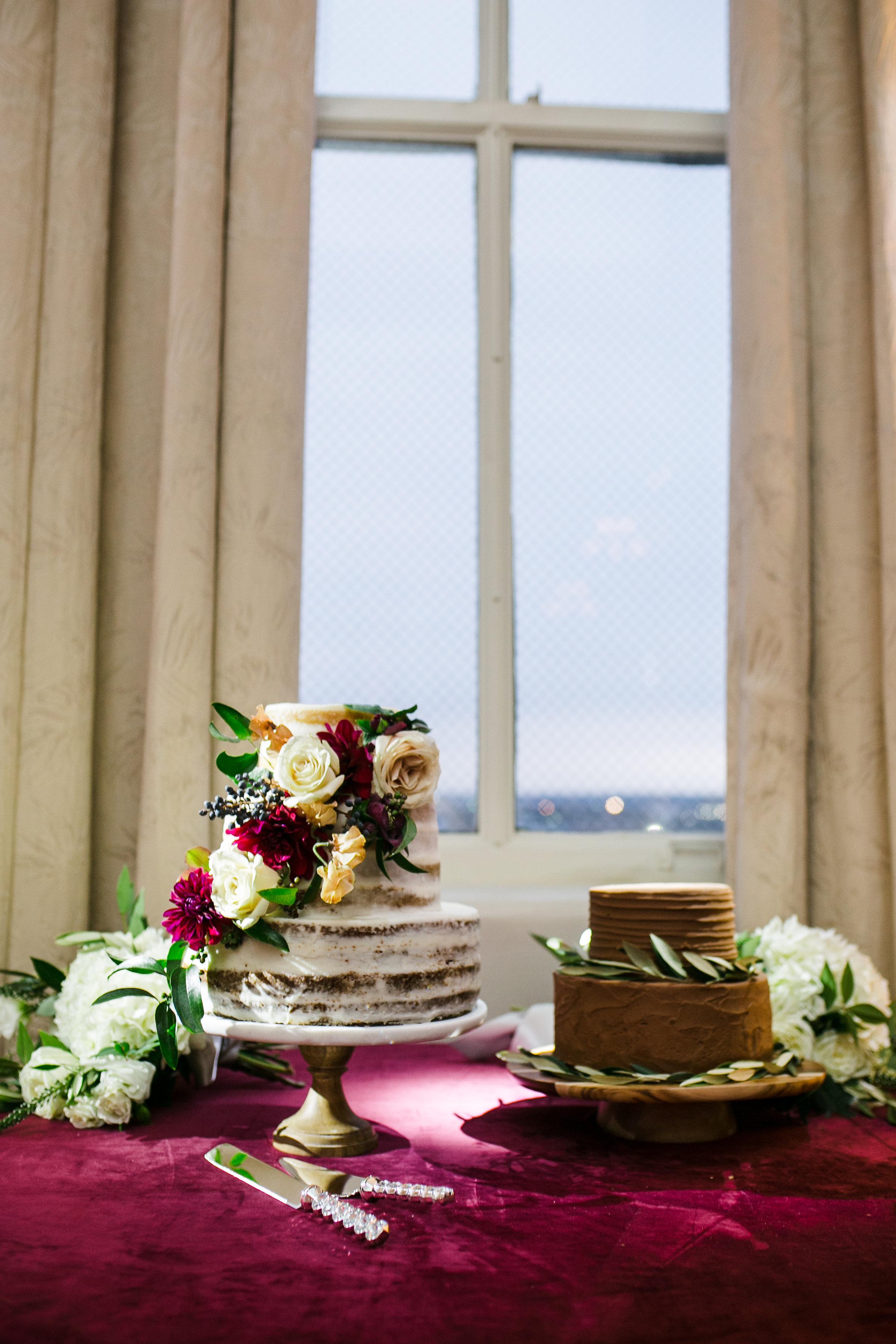 Cake Details - Dallas, Texas - Winter Wedding - Julian Leaver Events