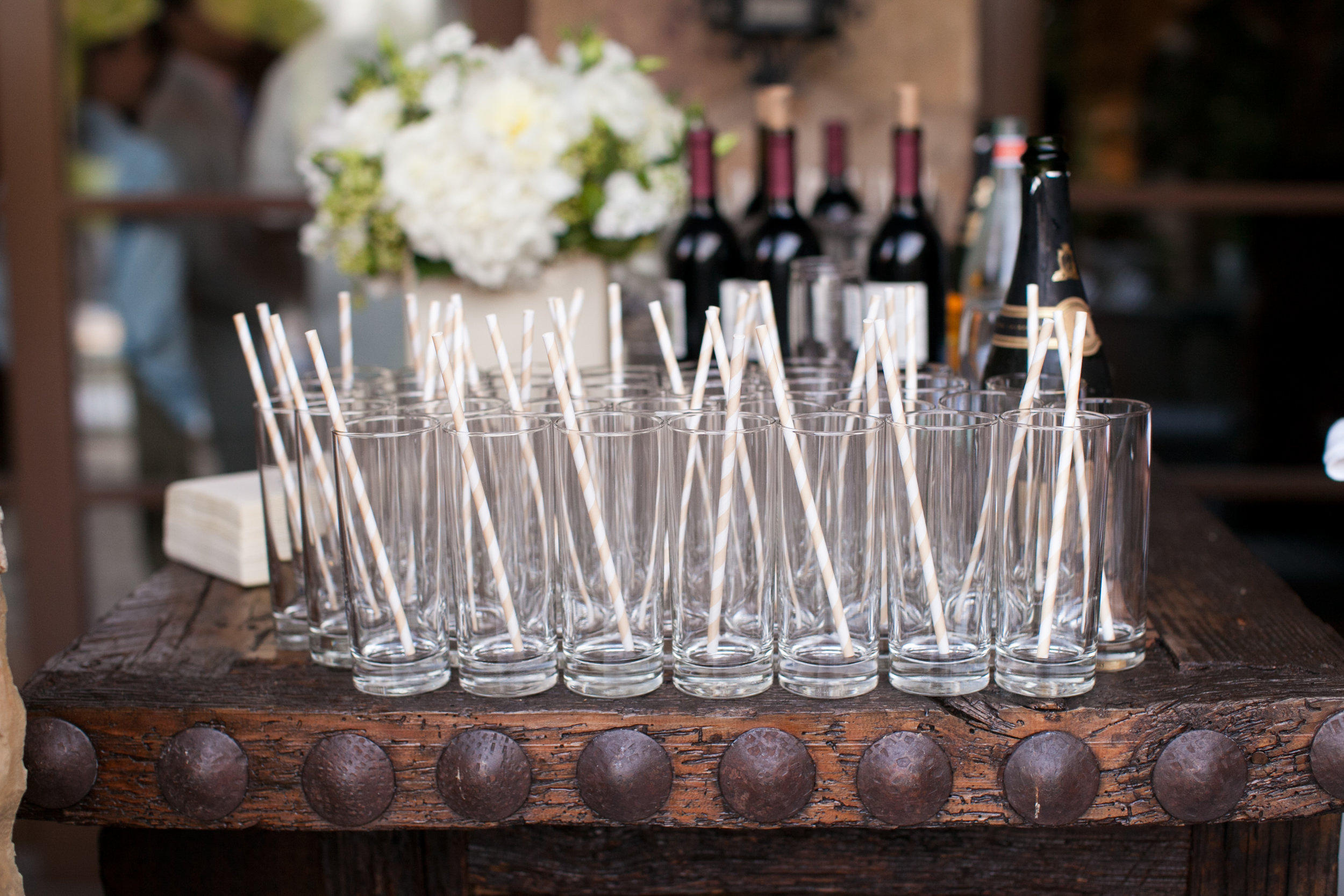 Cocktail Hour Details - Dallas, Texas - Fall Wedding - Julian Leaver Events