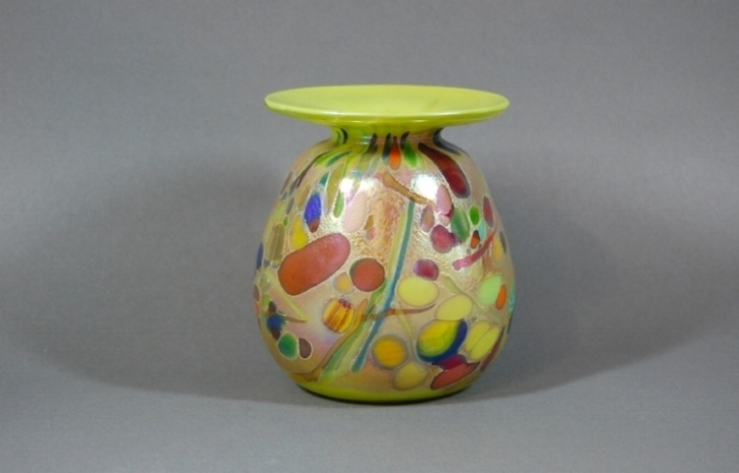 Lime vase with red frit and black cane