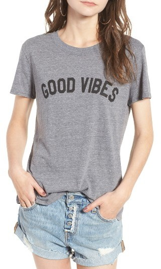 'GOOD VIBES' GRAPHIC TEE