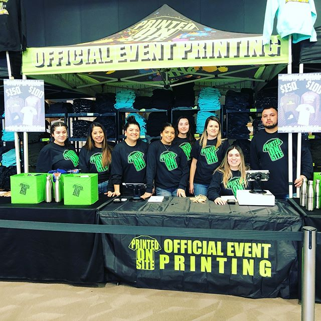 Printed on Site crew ready to go @seeyouatstatewa  #pos • • • • #screenprinting #screenprint #livescreenprinting #eventapparel #fundraising #tshirts #tees #apparel #eventprinting #liveprinting #events #onsiteprinting #eventplanning #memories #funevents #tournaments #youthsports  #coach #coaching # #hoodies  #basketball