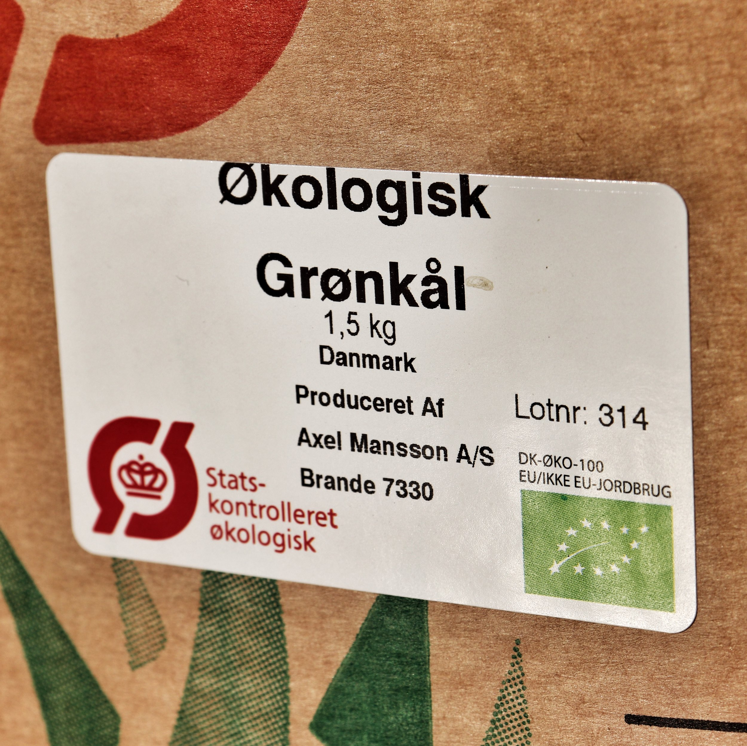 The green leaf logo in the right hand corner signifies an organic product in the EU.
