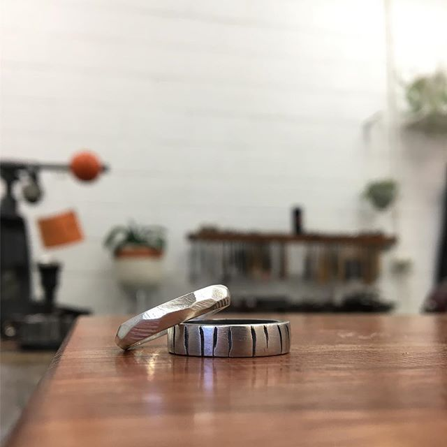 Stunning results from our recent Working in Wax Workshop! The black oxidised finish really captures the detail of the hand carved vertical lines in one ring. A satin silver finish on the faceted ring will wear beautifully over time, the high points of each facet polishing with wear. ✨