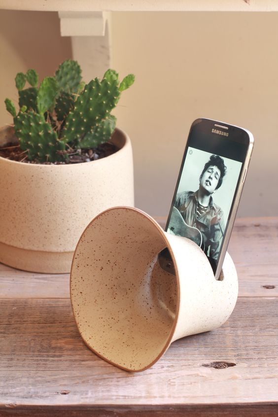 I can't get over how beautiful this  ceramic phone amplifier  is.