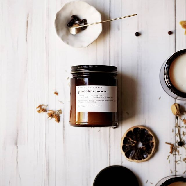It's a rainy day with all the moody fall vibes out here in Northern California, so it felt like a good time to mention one if our favorite new products releasing this Saturday. A warm + spicy blend of some very seasonally appropriate essential oils in a clean burning candle, so you can make your space extra cozy without the toxic fumes ✨ . Stay tuned for our other seasonal products coming this Saturday, our Autumn Subscription box, and a big giveaway happening soon!