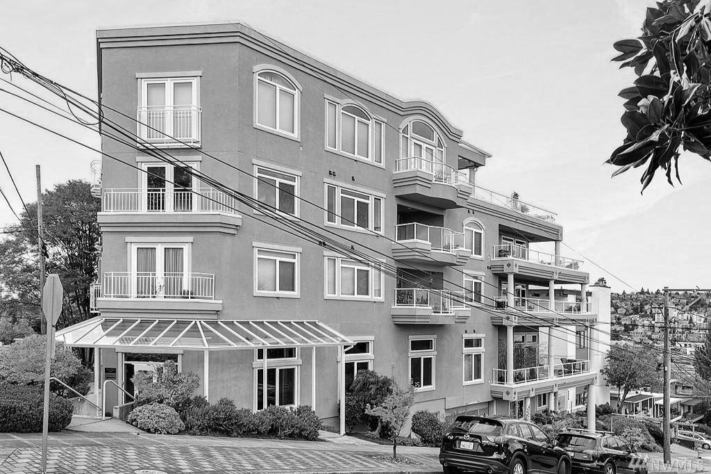 Chez Nouz - 2100 Thorndyke Ave