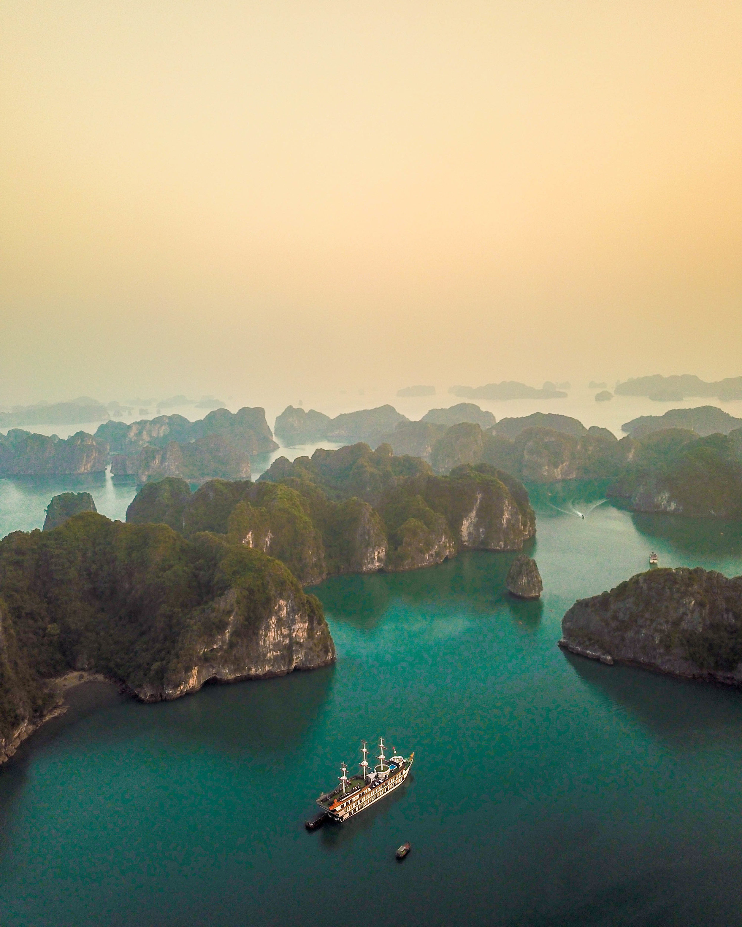 ha long bay-2.jpg