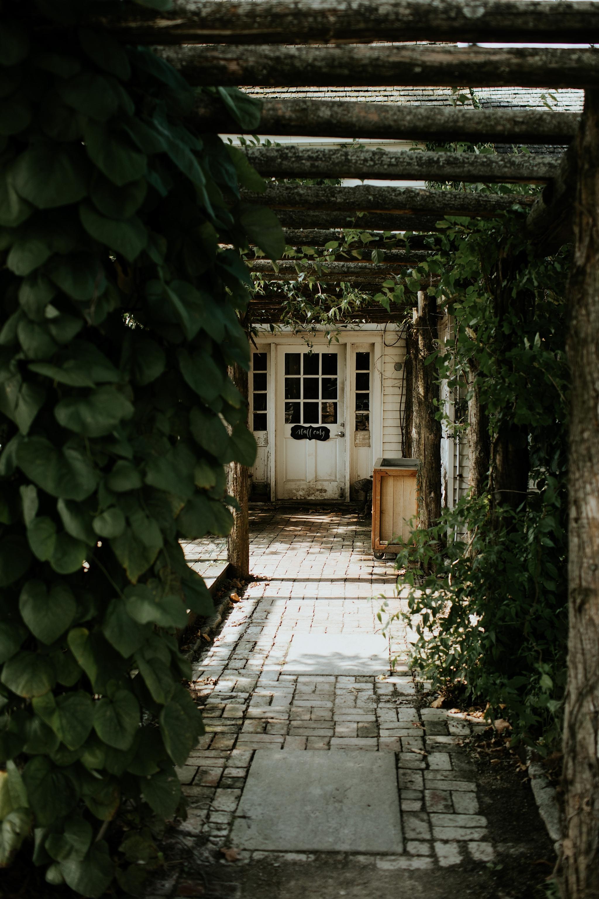 Heartfelt Botanical Terrain at Styers Wedding in Glenn Mills Pennslyvania by Trin Jensen Photography_0008.jpg