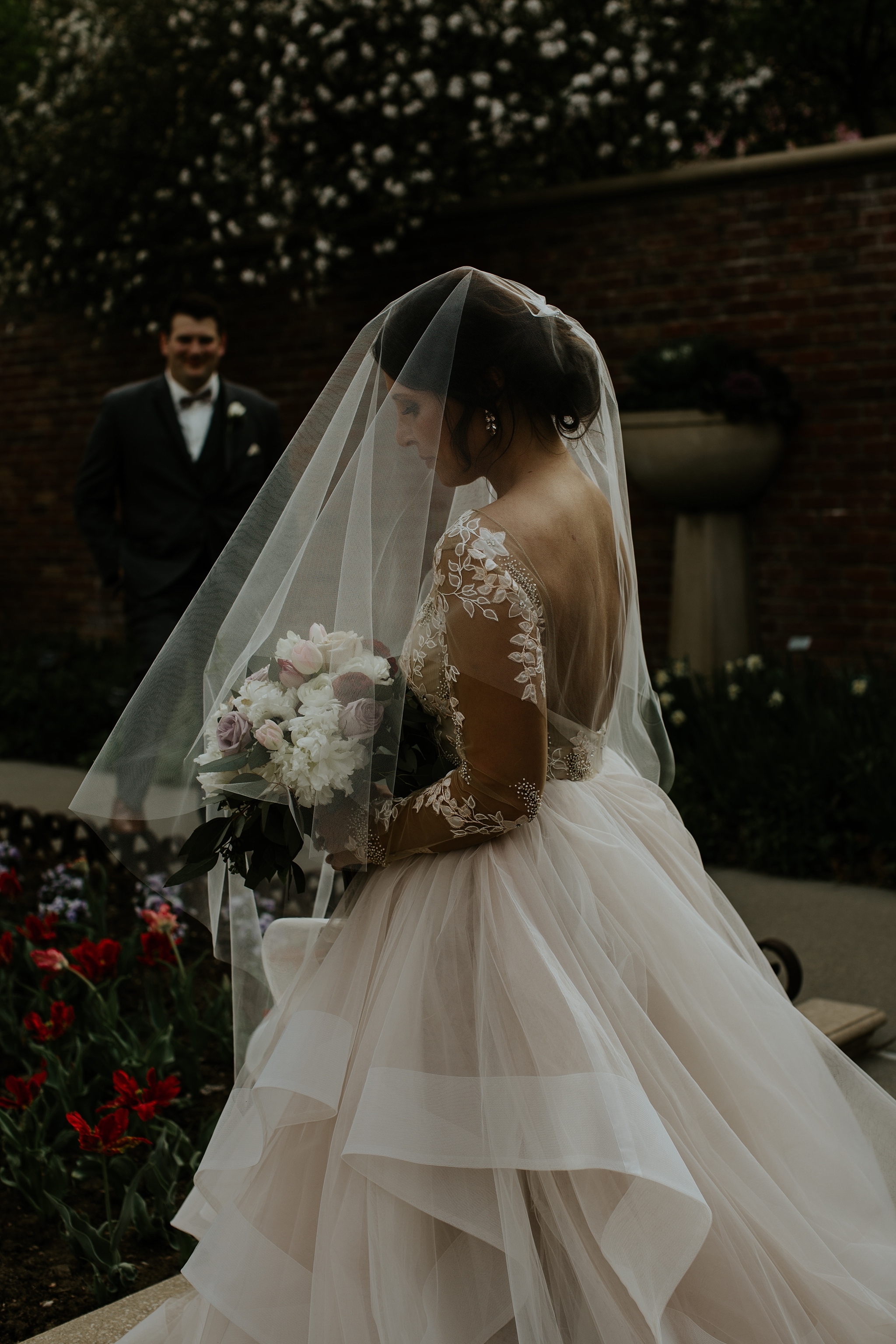Romantic Lauritzen Gardens Omaha Wedding  - Trin Jensen Photography_0020.jpg