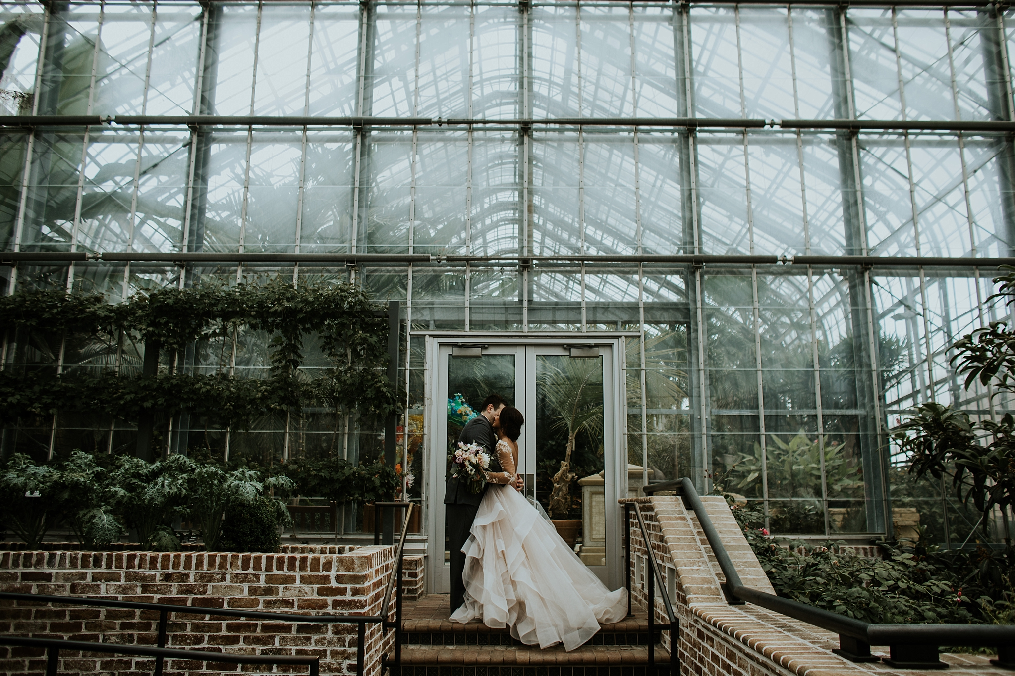 Romantic Lauritzen Gardens Omaha Wedding  - Trin Jensen Photography_0022.jpg