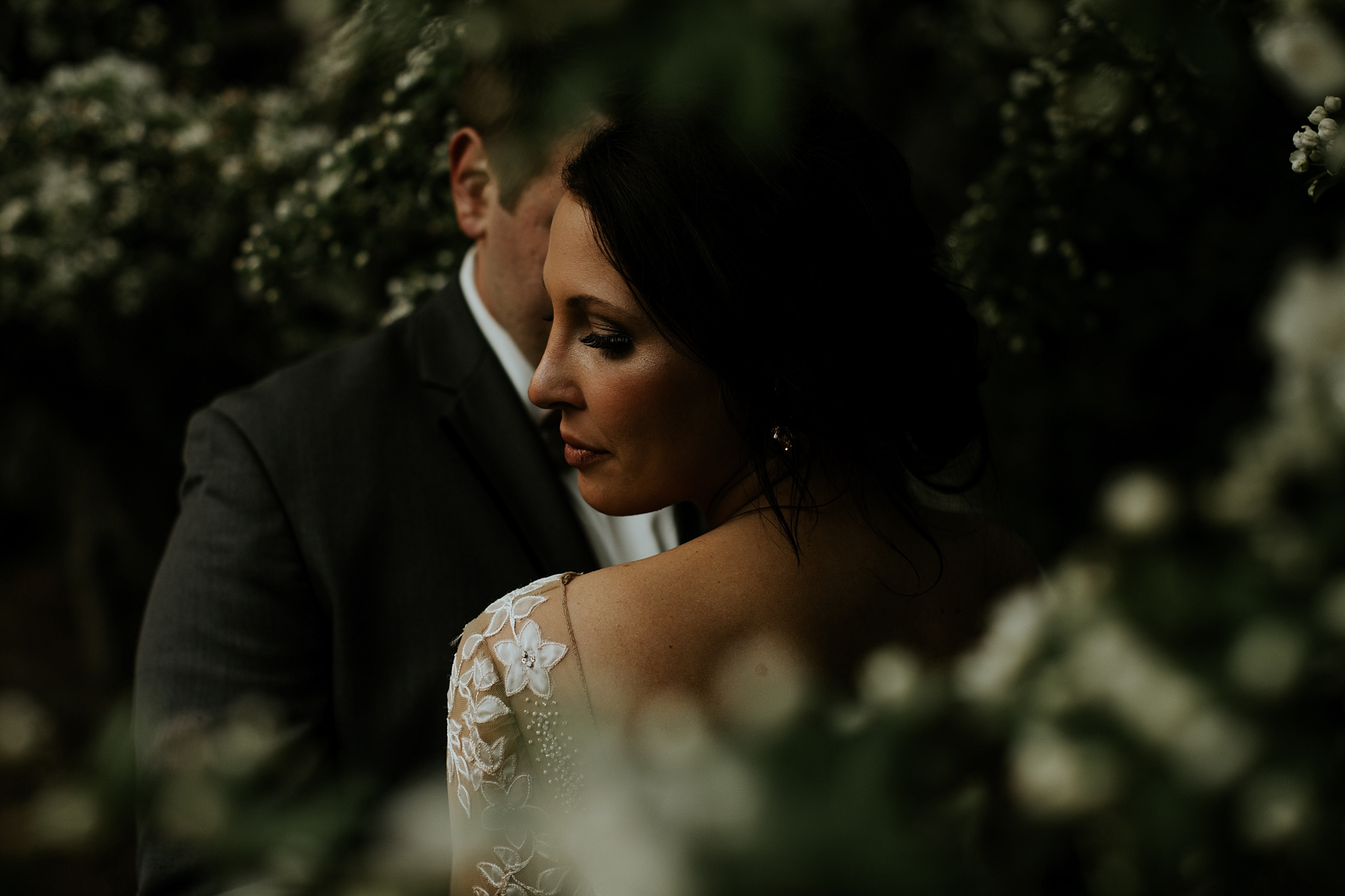 Romantic Lauritzen Gardens Omaha Wedding  - Trin Jensen Photography_0024.jpg