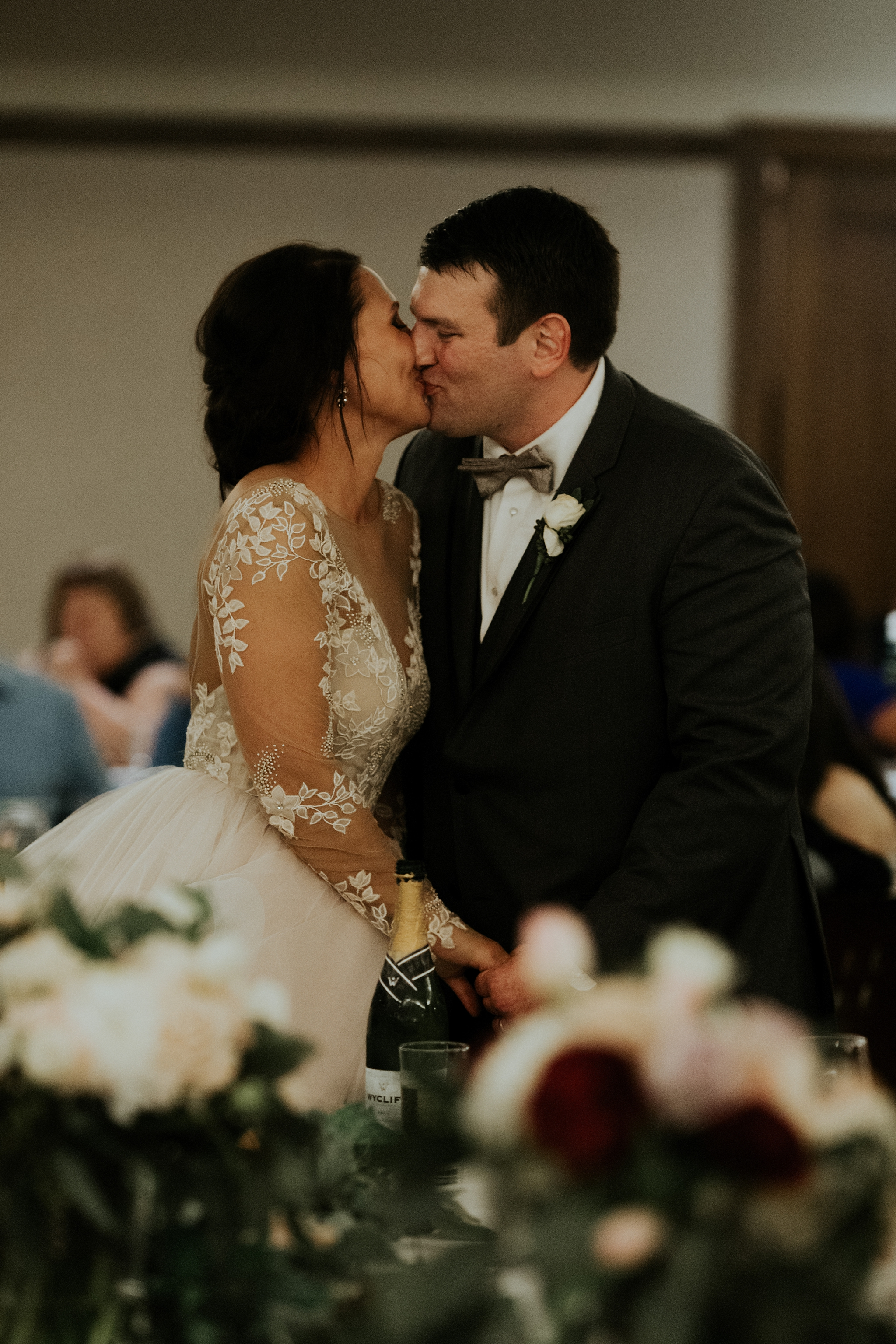Romantic Lauritzen Gardens Omaha Wedding  - Trin Jensen Photography_0029.jpg