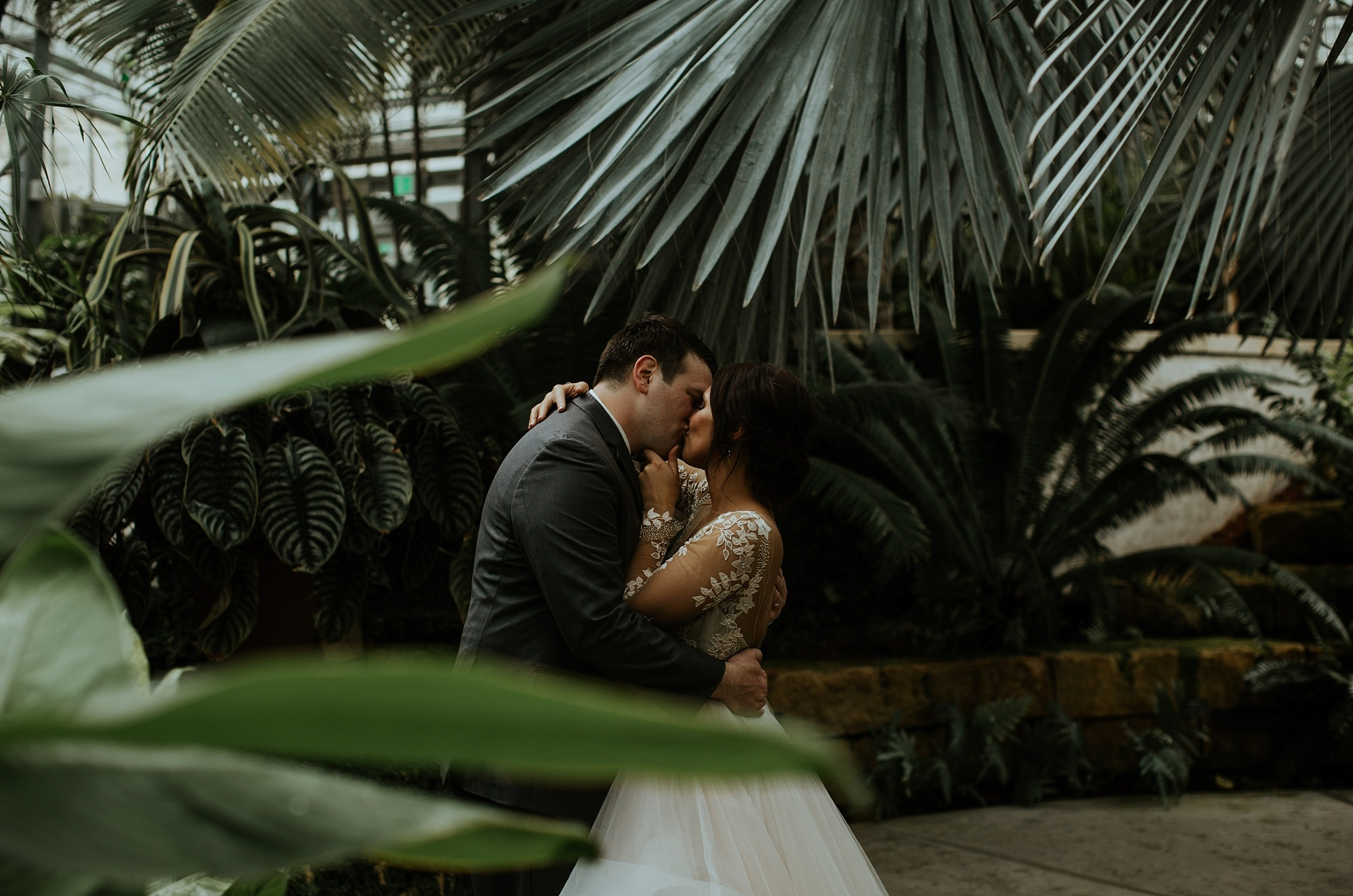 Romantic Lauritzen Gardens Omaha Wedding  - Trin Jensen Photography_0018.jpg