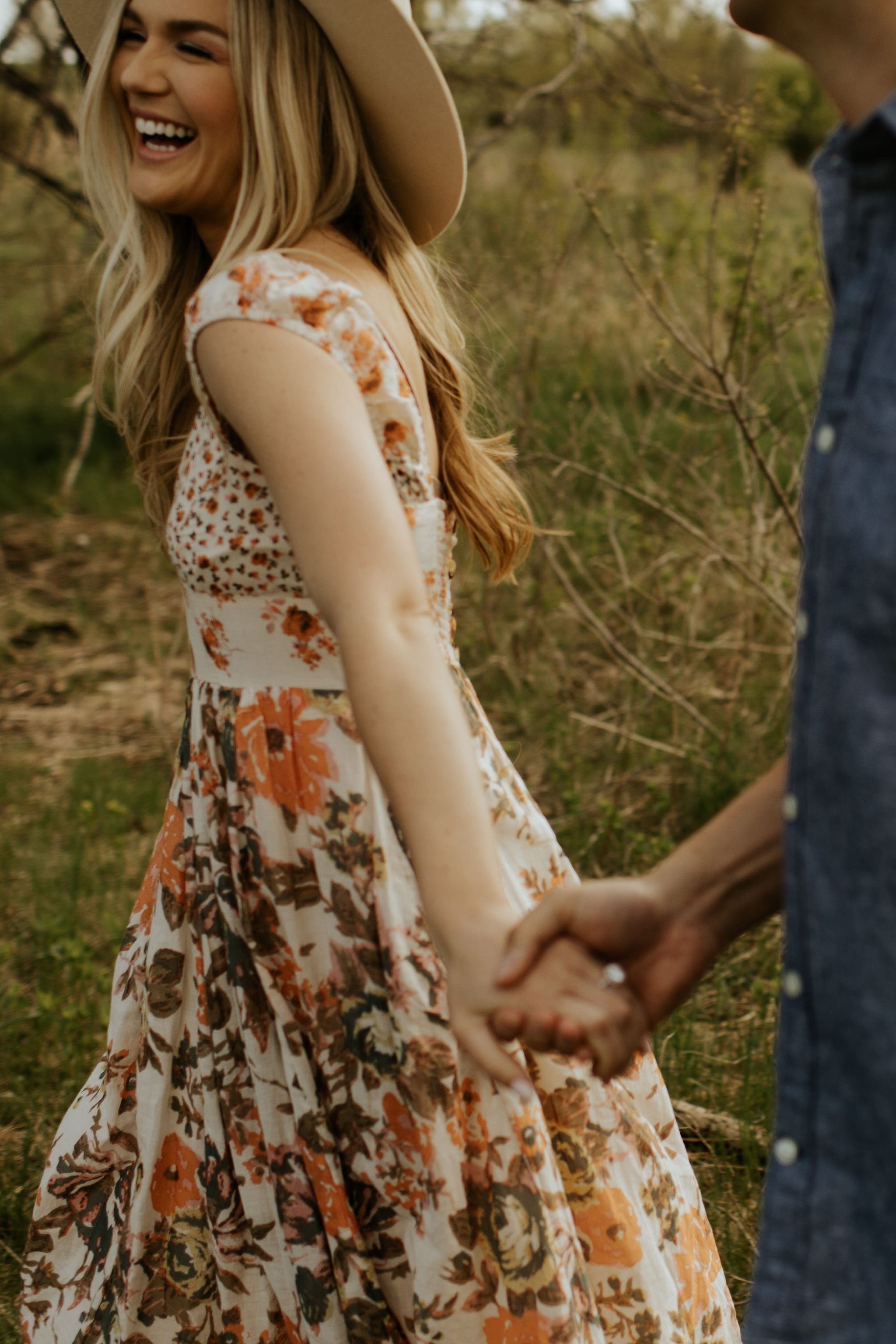 Boho Nebraska Engagement Session  - Trin Jensen Photography_0021.jpg