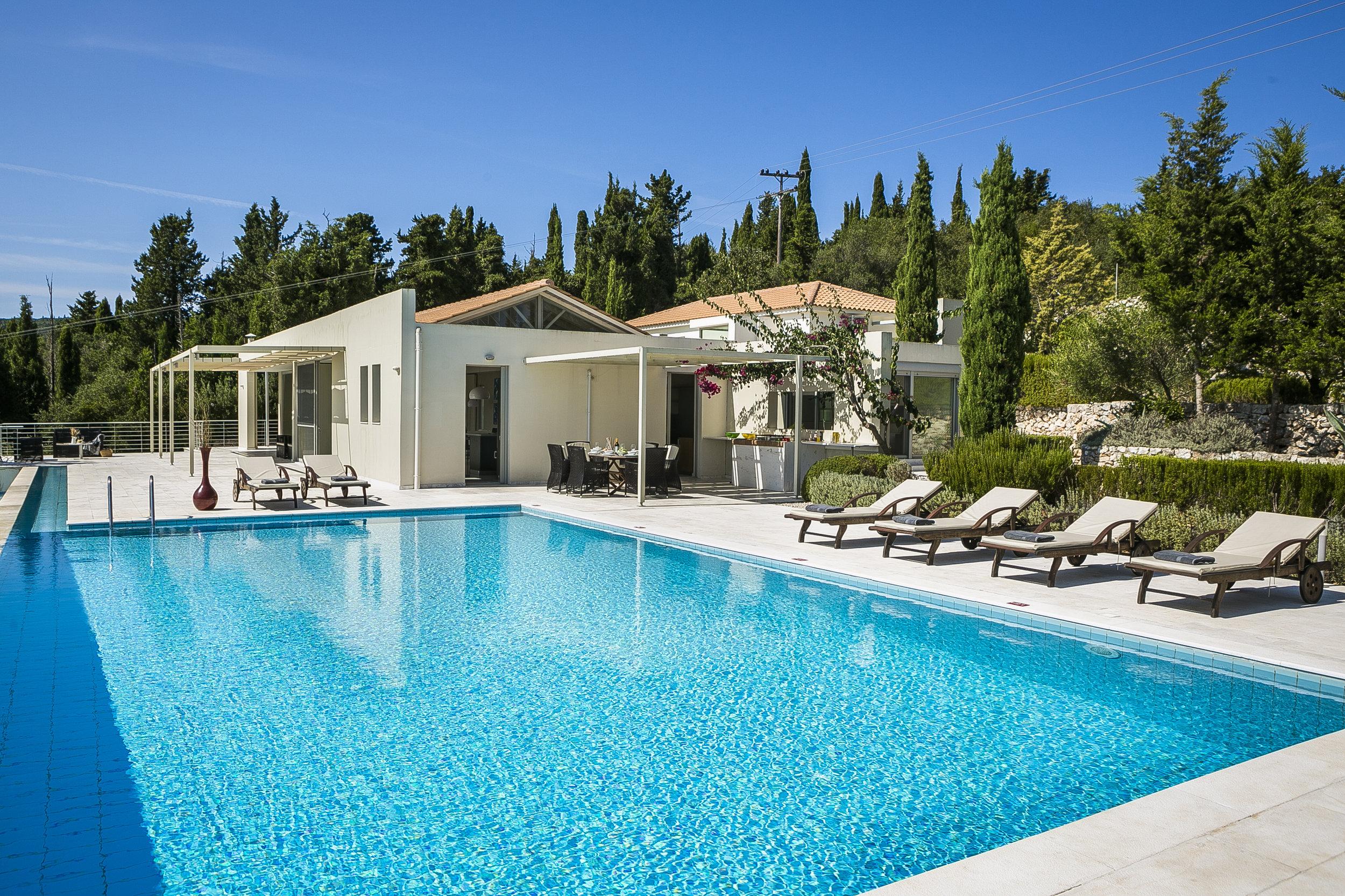 Villa Aloni terrace and pool