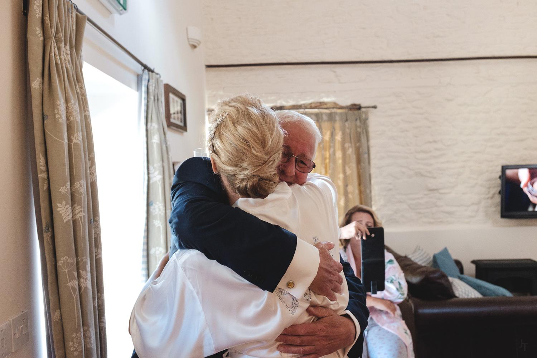Winkworth-Farm-malmesbury-wedding-photography-17.jpg