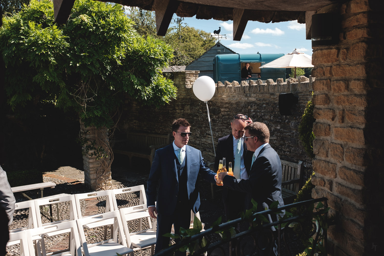 Winkworth-Farm-malmesbury-wedding-photography-21.jpg