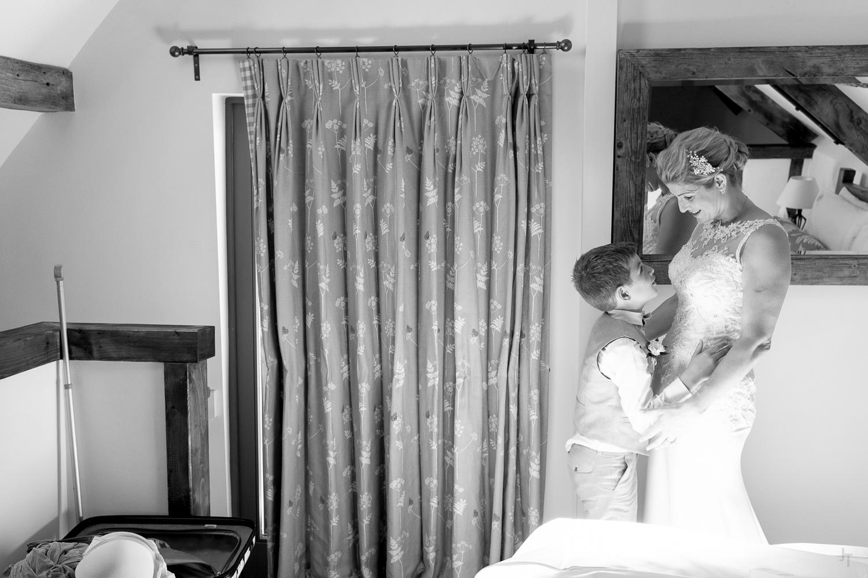 Winkworth-Farm-malmesbury-wedding-photography-29.jpg