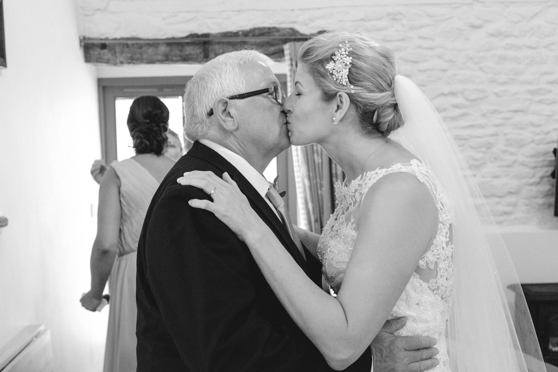 Winkworth-Farm-malmesbury-wedding-photography-33.jpg