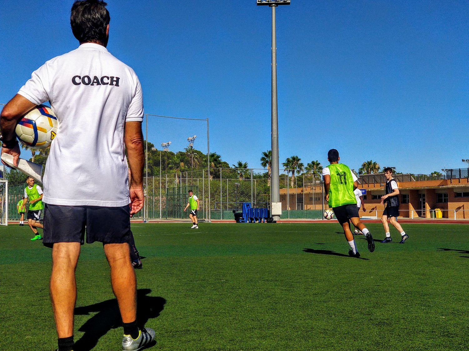 Play Spain - Soccer academy in Spain, play soccer in Spain, Alicante football.Click here to sign up now!