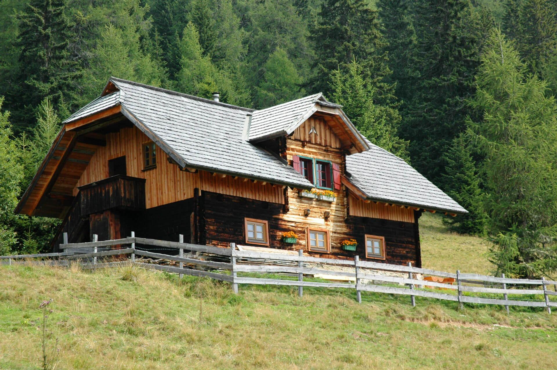 Wandern Almhütte (1).jpg