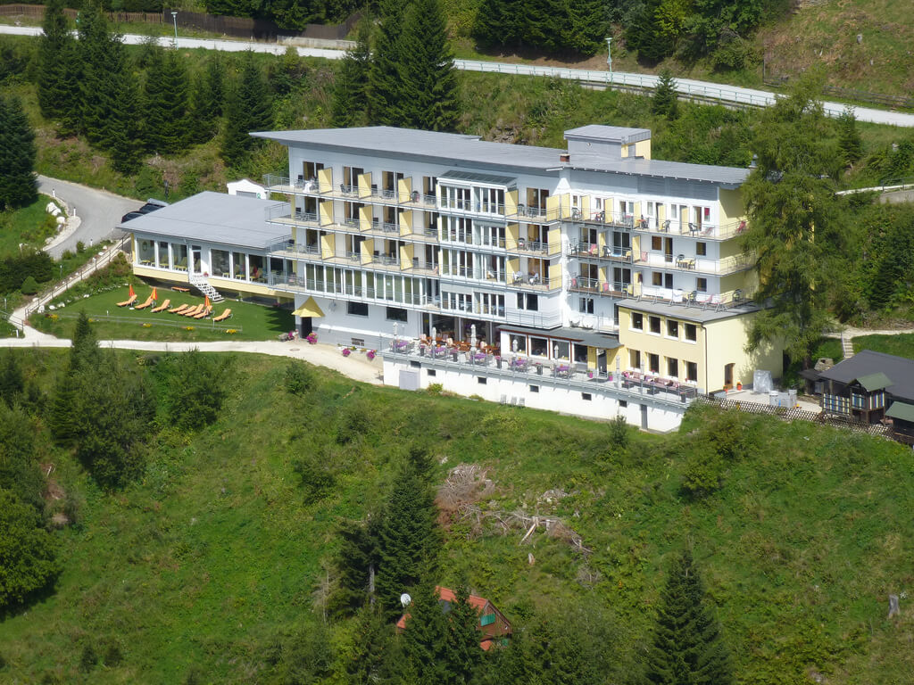 Welcome to    Sonnenhotel Zaubek