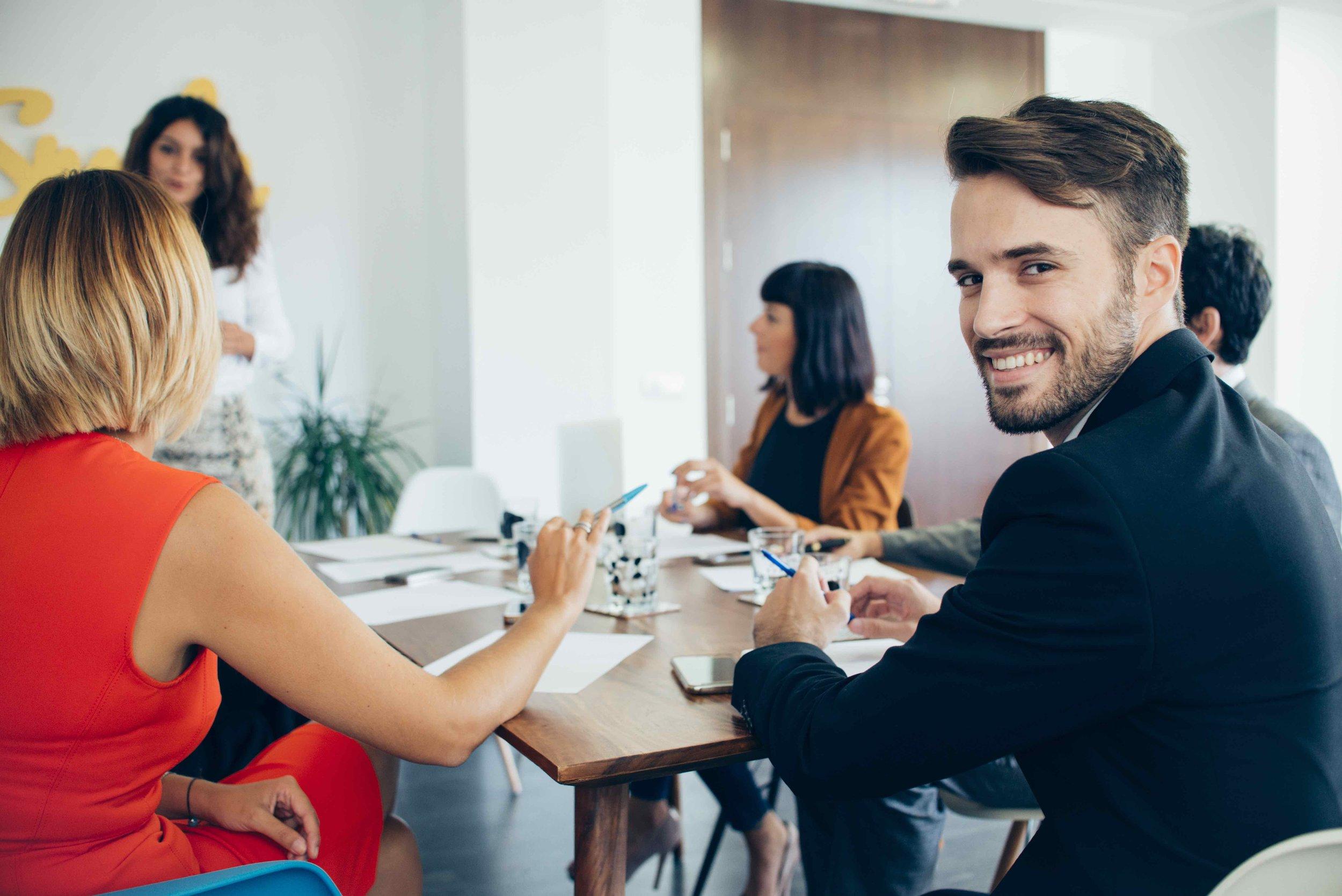 FINANCIAL STATEMENTS - Programa enfocado a profesionales financieros, que quieran aprender o reforzar la terminología para defender y responder preguntas sobre principios de contabilidad, declaraciones y estados financieros de tu organización en Inglés.