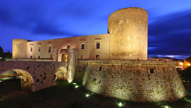 Castello Del Balzo.jpg