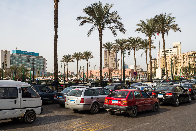 ENG:Tahrir Square during a sand storm, Cairo, Egypt, January 18, 2018. Tahrir Square and General Ibrahim Square were black of people in search of freedom, partly made up of women. Some were forced to lie to their families to attend the events, others choose to take the risk. For many of them, the first moments of the revolution were synonymous of liberation and independence. The long marches were places of debate where they had access to new ideals. They were there to safely and publicly raise their voices.©MicheleSpatariITA:Piazza Tahrir al Cairo, Egitto, gennaio 2018.Nel 2011, Piazza Tahrir al Cairo e piazza Ibrahim ad Alessandria erano in fermento, nere di un mondo in cerca di libertà, metà donne. Alcune sono costrette a mentire alle loro famiglie per partecipare alle manifestazioni, altre scelgono di correre il rischio. Per molte di loro, i primi momenti della rivoluzione sono sinonimo di liberazione e indipendenza. I lunghi cortei sono luoghi di dibattito in cui le donne egiziane hanno accesso a nuovi ideali. Si sentono abbastanza sicure da poter alzare le loro voci pubblicamente.©MicheleSpatari