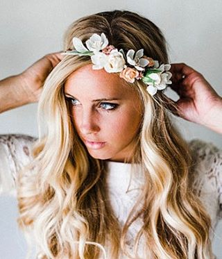 It's officially May! Don't forget to adjust your flower crowns (and get that tan ready!) 😉🌿🌸 . . . #igdaily #goodvibes #floralcrown #tan #selfcare #selftanner #tanextender #organicbeauty #organicskincare #happyme #mebodyandsoul #madewithlove #nj #nyc