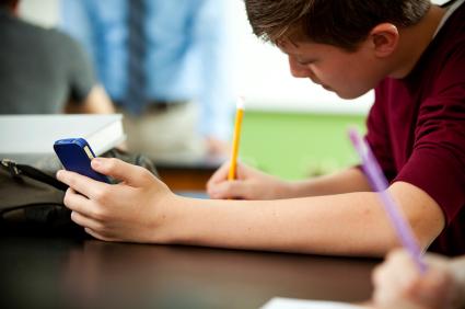 smartphones-in-classroom.jpg