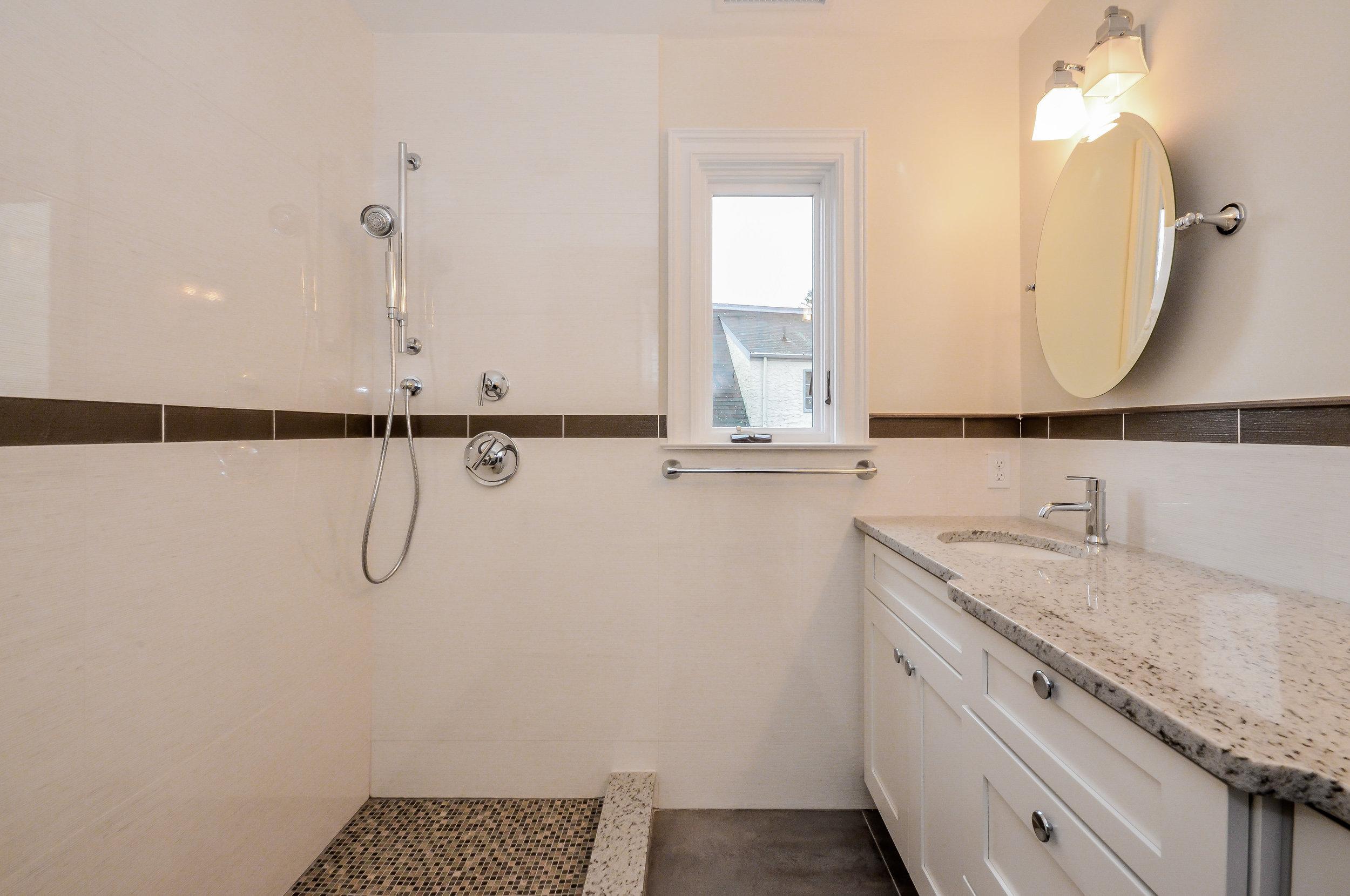 Hillside Bathroom 4.jpg