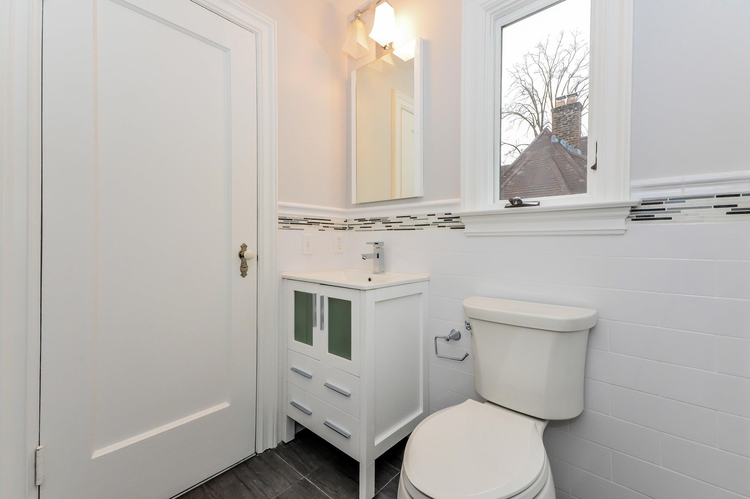 Hillside Bathroom 5.jpg