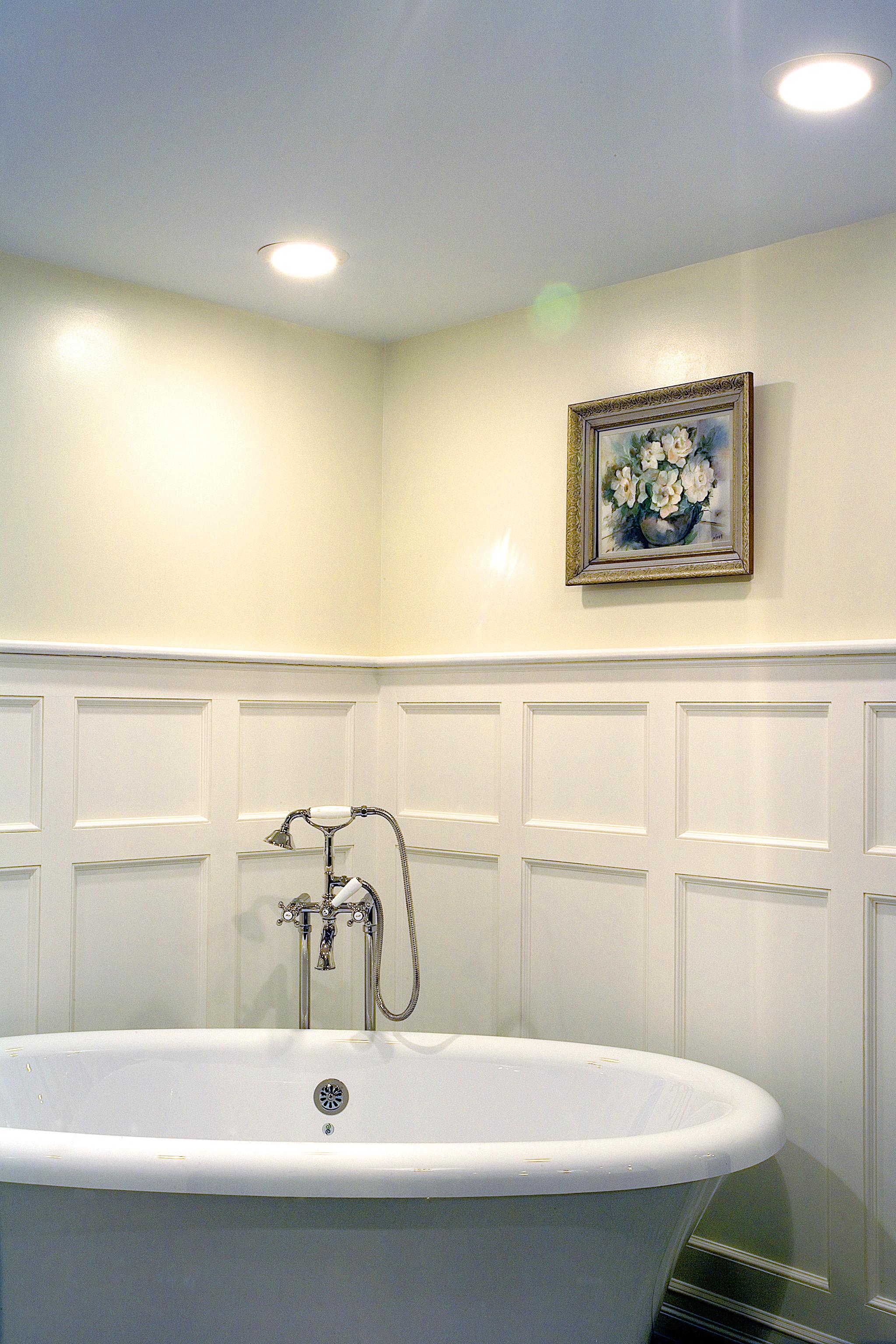 Master Bathroom Bath.jpg