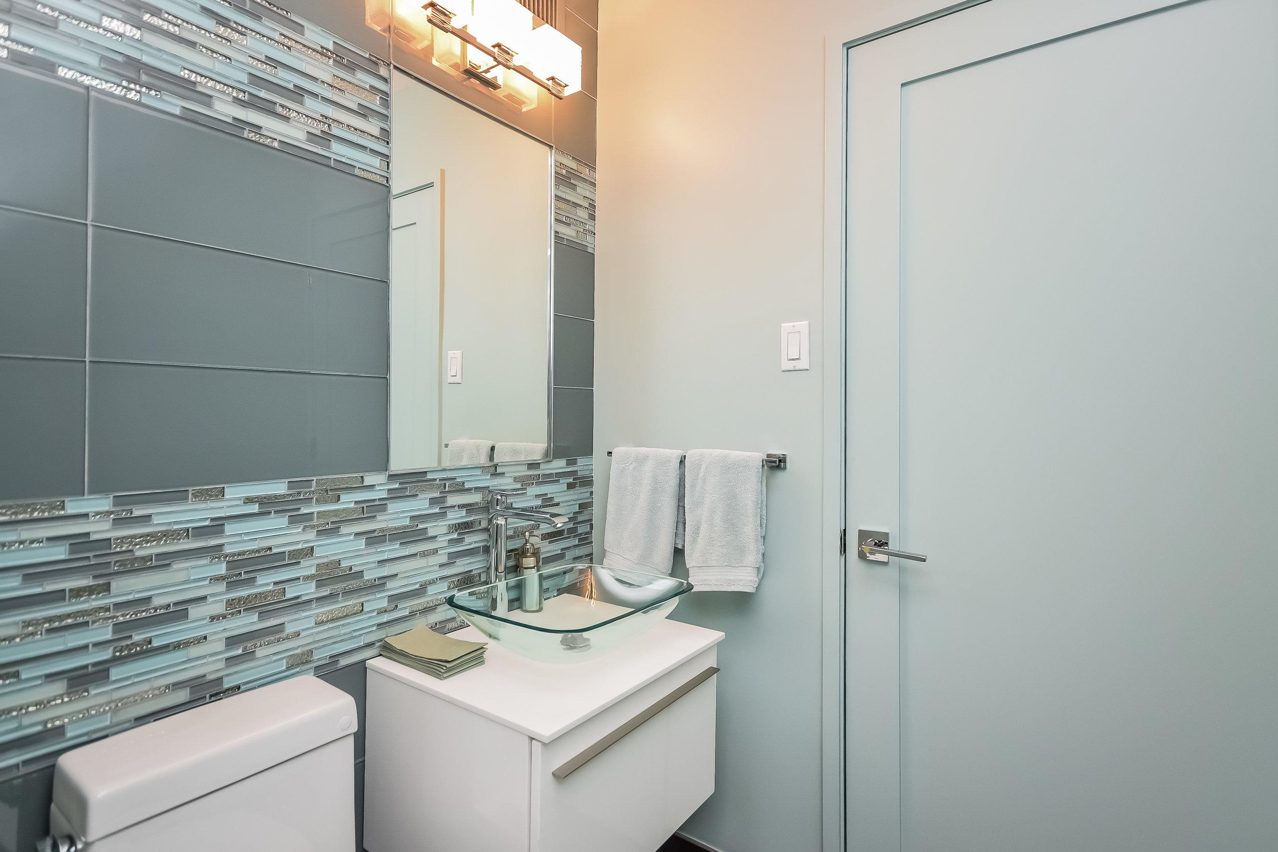 UES Bathroom 2 - Copy.jpg