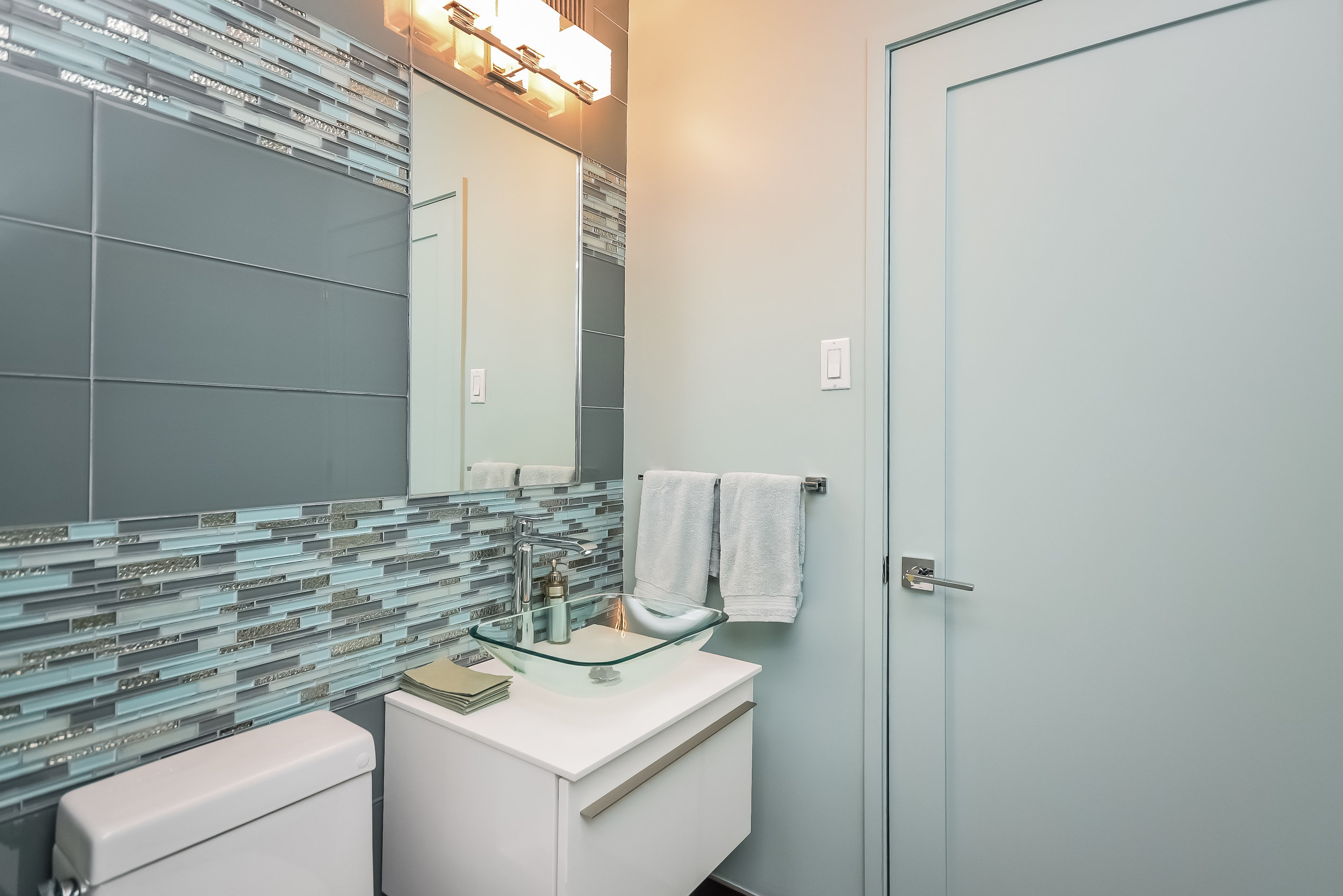 UES Bathroom 2.jpg