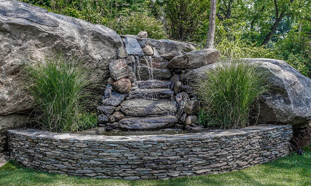 8 Highland 21 Waterfsll wirth stone wall.jpg