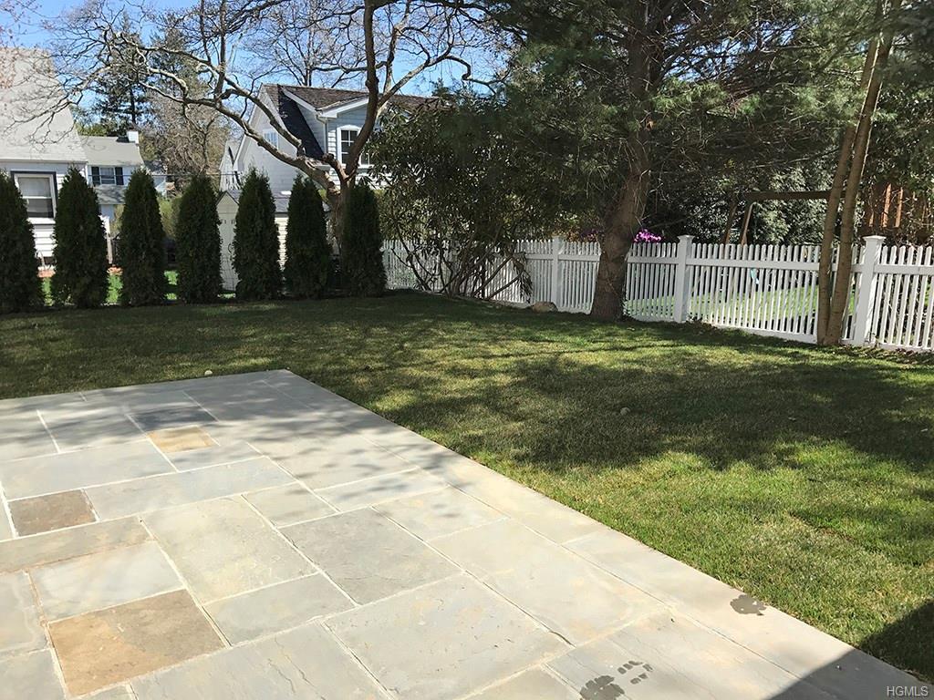 Overlook- Back Yard 2.jpg