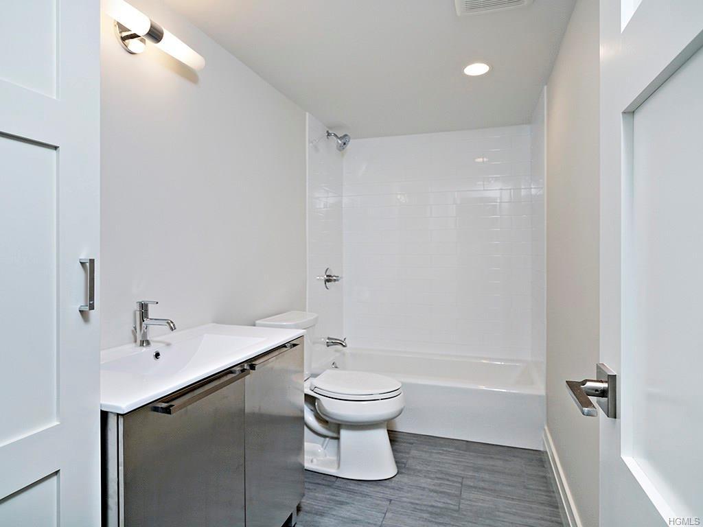 Overlook- Bathroom 2.jpg