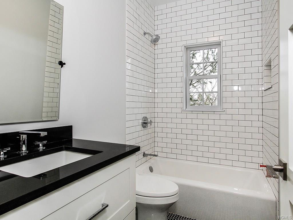 Overlook- Bathroom 1.jpg