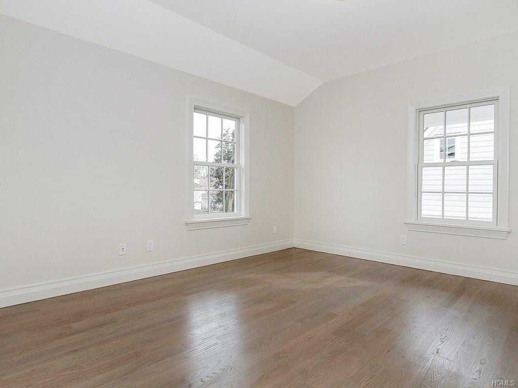 Overlook- Bedroom 1.jpg