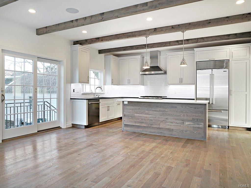 Overlook- Kitchen 1.jpg
