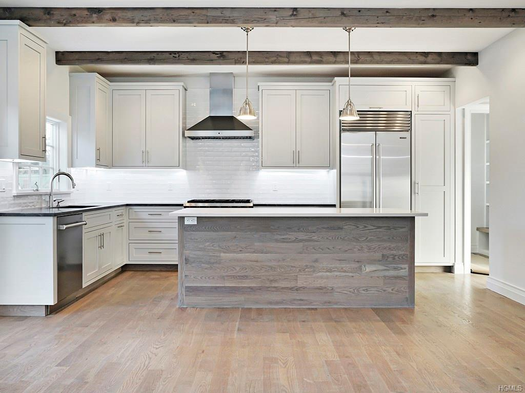 Overlook- Kitchen 2.jpg