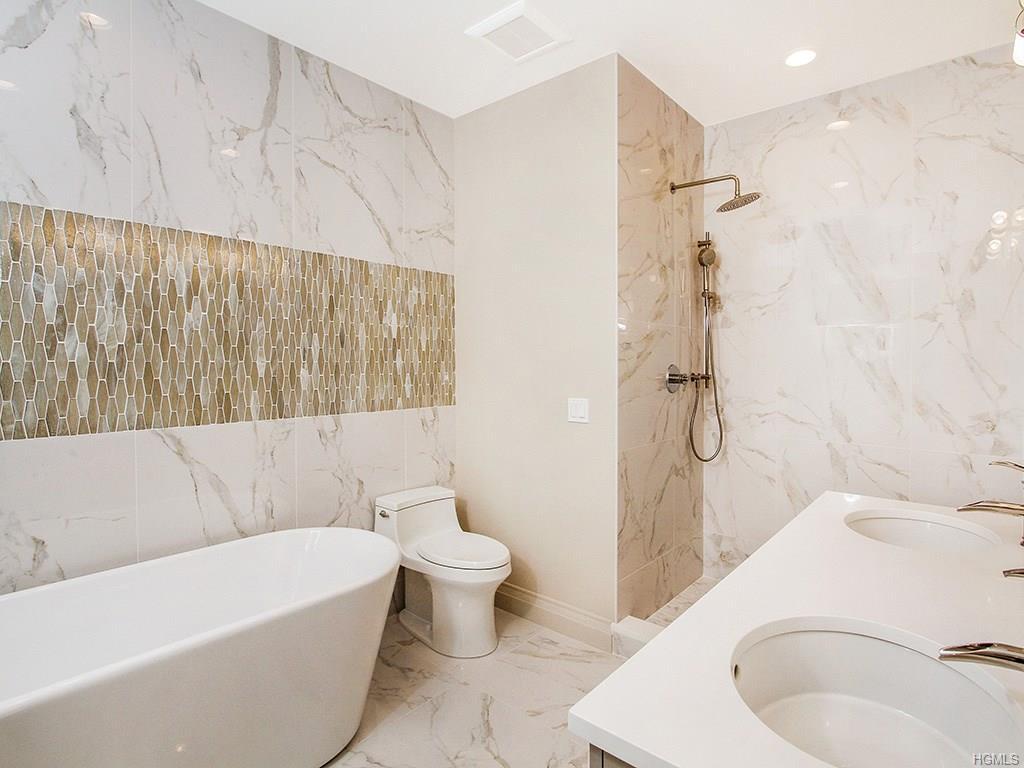 Overlook- Master Bathroom 2.jpg
