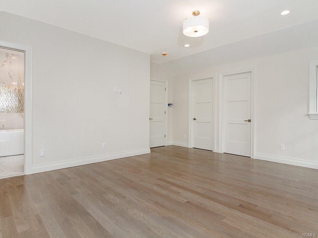 Overlook- Master Bedroom 2.jpg